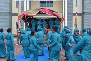 goyang bersama di Aula Kantor Camat Rupat