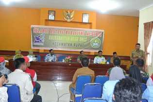 Camat Rupat menyambut kedatangan mahasiswa yang magang di wilayah kecamatan rupat
